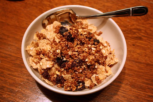 maple-cinnamon-granola