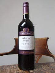 Lindeman's Shiraz (knightbefore_99) Tags: red classic table rouge bottle rojo wine australian australia daily shiraz vin rosso tinto lindemans bin50
