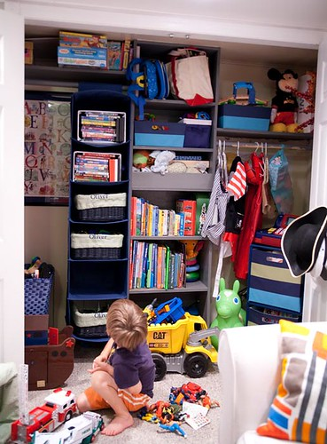 closet-toys