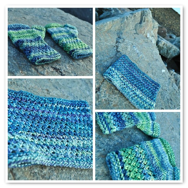 Mitts and cowl set