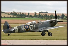 THE GRACE SPITFIRE ML407 (Gaz West) Tags: old west history museum plane flying war fighter display aircraft air royal gaz twin grace airshow crew displays planes ww2 southampton combat retired warbirds dday trainer props prop picnik warbird raf pilots airshows based displaying supermarine royalairforce twinstick propdriven canon400d thegracespitfire gazwest ghastlywhisper
