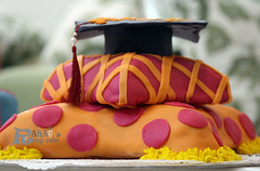 (Rahf's cake) Tags: cup cake cupcake كيك rahaf كيكة كب المخدة rahafs رهفز