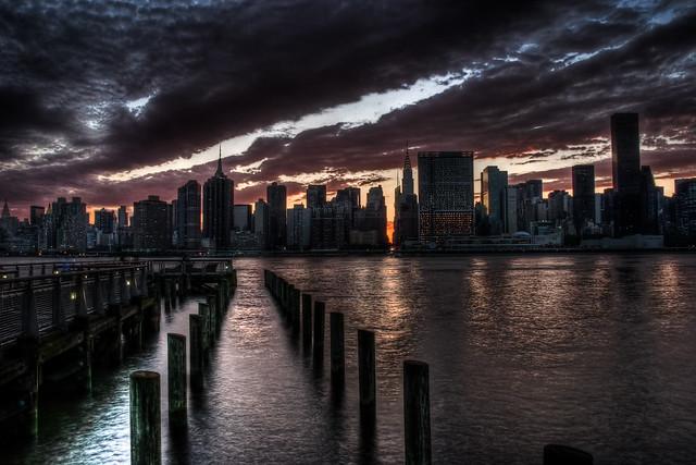 Manhattanhenge 2011 | A. Strakey