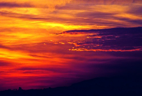 [フリー画像] 自然・風景, 夕日・夕焼け・日没, 空, 雲, 201107170500