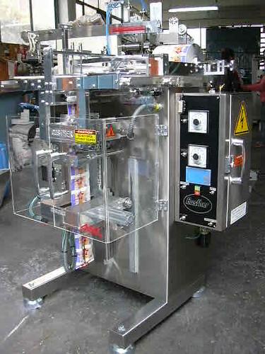 Máquinas para Bolis y/o Líquidos Automáticas  MAQUINARIA PARA ENVASAR BOLIS , CONGELADAS, BOLOS, FLASES by Envasadoras_Equipo_de_envasado