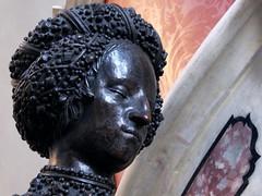 Kunigunde von sterreich (Weingarten) Tags: bronze austria tirol sterreich tyrol innsbruck autriche tirolo hofkirche bronzo schwarzmanderkirche schwarzemander