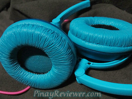 The blue shade of this Hed Kandi Pure Kandi headphones may not appeal to everyone - PinayReviewer.com