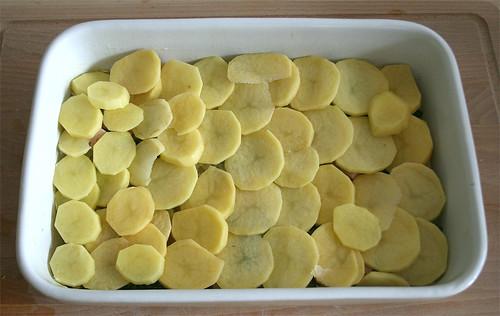 23 - Kartoffelscheiben auflegen