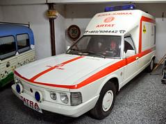 Tatra 613 SV RZP (1993) (The Adventurous Eye) Tags: nikon d sv muzeum tatra 7000 613 dolní rzp d7000 veteránů rožínka šikland