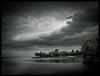 Quietos (Salva Magaz [Om Qui Voyage]) Tags: lake storm lago switzerland suisse suiza lac tormenta orage vaud lavaux lacléman olympuse3 oqv miradafavorita salvamagaz