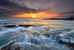Flow (Dyahniar Labenski) Tags: sunset bali flow nikon niar 1024mm d7000 ikniroviolet dyahniar 1stagust