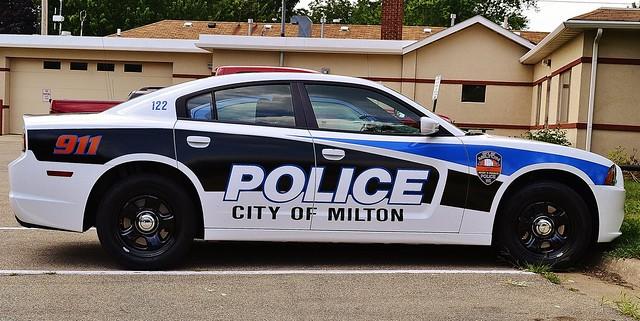 interesting police dang dodge charger slicktop blinkagain nikond3100 cityofmiltonwi police2012dodgecharger