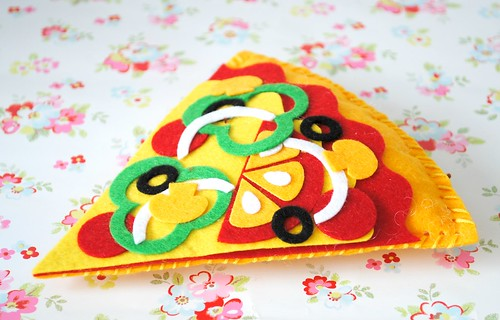 My Hand-made felt pizza