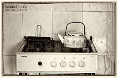 Luján - Carlos Keen 24 (Fabio Téllez) Tags: kitchen argentina metal agua buenosaires cocina fuego carloskeen azulejos tostadora pava hornalla luján perillas fabiotel fabiotéllez