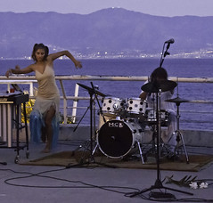 Jazz at dawn (MrAchab) Tags: jazz reggiocalabria lungomare danceuse ecojazz