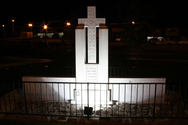 Cannon County War Memorial (at night)
