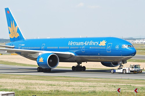 Vietnam Airlines Boeing 777-2Q8ER; VN-A1 by Aero Icarus, on Flickr