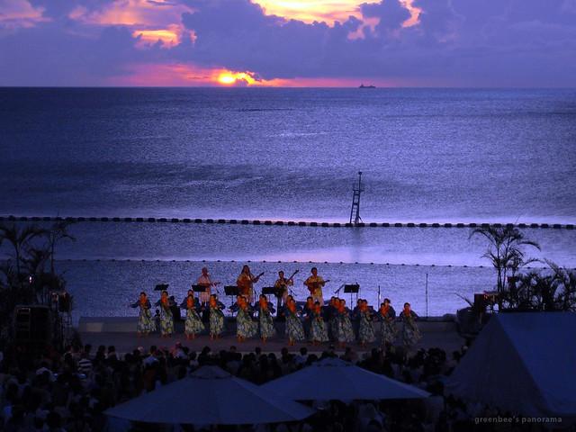 最終日夜のステージ1(ムーンビーチ・ルアウ2011)