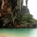 Caverna na praia c/ enormes estalactites