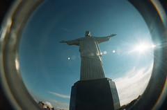 Wide Open. (Pedro Silvares) Tags: film riodejaneiro lomo lomography fisheye cristoredentor christtheredeemer corcovado