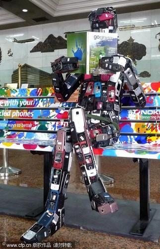 روبوت مصنوع هواتف نوكيا حفاظا