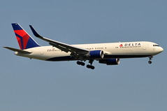 Delta Air Lines - Boeing 767-300ER - N1611B - John F. Kennedy International Airport (JFK) - July 15, 2011 1 182 RT CRP (TVL1970) Tags: airplane geotagged nikon aircraft aviation delta jfk boeing airlines ge 767 airliners jfkairport winglets generalelectric boeing767 kennedyairport b767 767300 deltaairlines gp1 d90 767332 767300er johnfkennedyinternationalairport b763 cf680 boeing767300 cf6 jfkinternational kjfk nikond90 nikkor70300mmvr 70300mmvr 767332er n1611b themounds boeing767300er generalelectriccf6 aviationpartners nikongp1 cf680c2b6f 767300erwl 767332erwl
