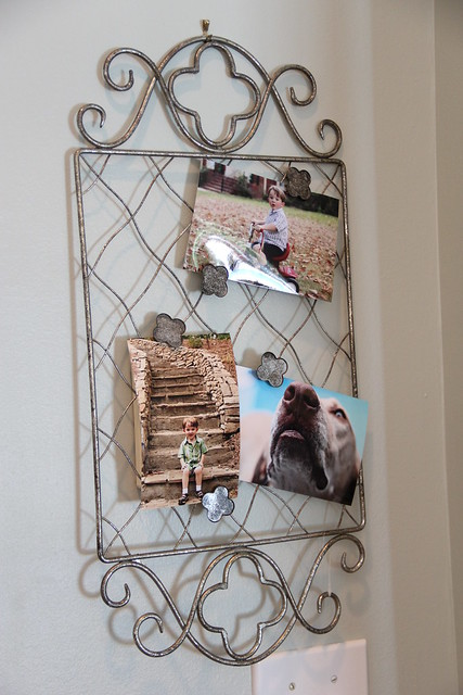 Willow house card and photo display quatrefoil