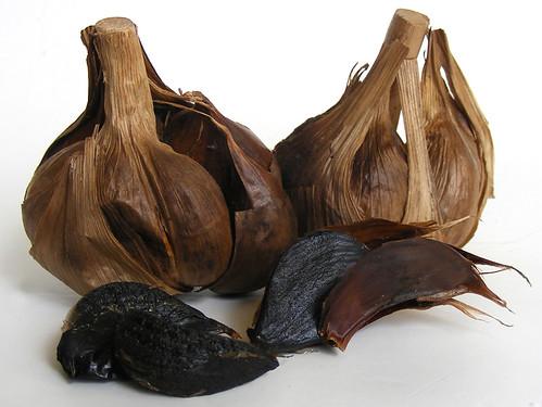Zwarte, gefermenteerde knoflook