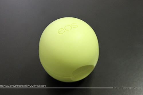 EOS Lip Balm - Smooth Sphere in Honeysuckle Honeydew