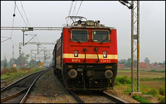 12716 Sachkhand Express (Ankit Bharaj) Tags: india green station electric speed train canon photography is dc high rice paddy indian engine rail railway grand route trunk fields locomotive motor 100 express sahib punjab railways amritsar ldh guru ankit sx huzur ludhiana nanded irfca clw sachkhand bharaj wap4 jandiala