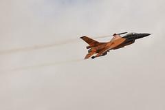 Royal Netherlands Air Force F-16AM flypast (Richard Amor Allan) Tags: tattoo gloucestershire airshow raf fairford riat royalinternationalairtattoo 2011 fightingfalcon royalnetherlandsairforce f16am
