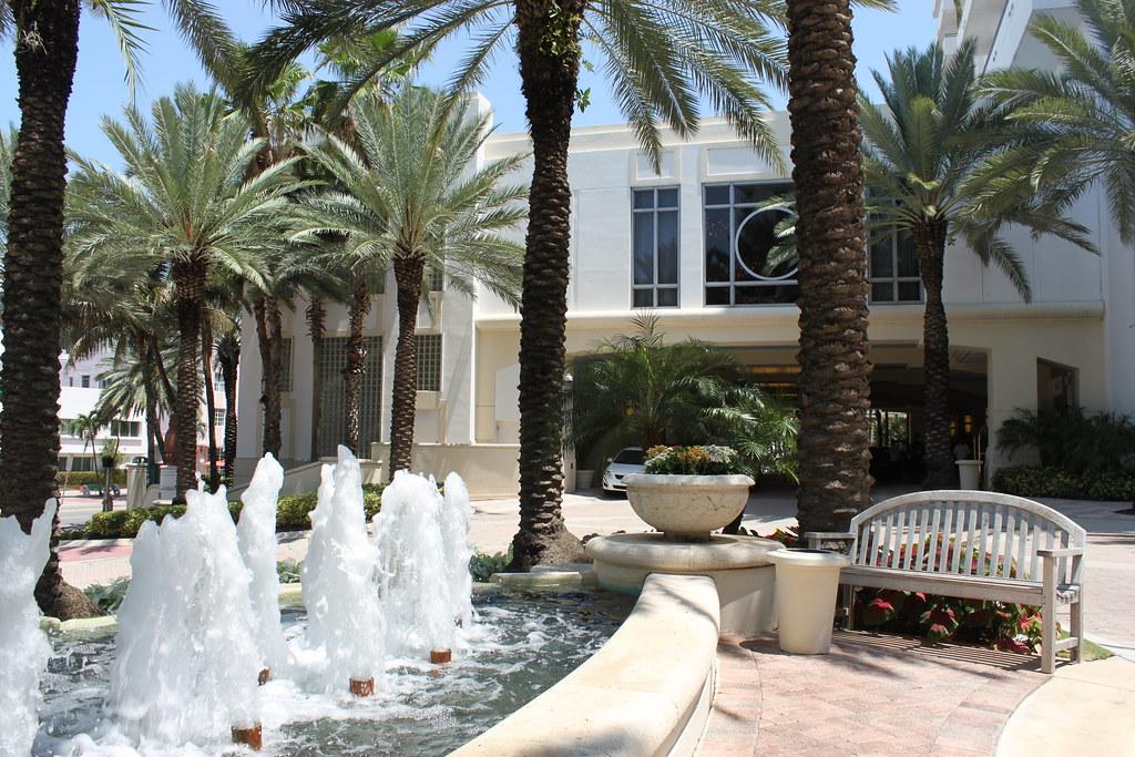 Art Deco Hotels Miami Beach - Loews Miami Beach Hotel