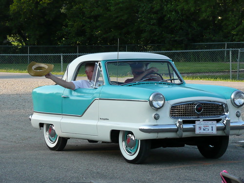 Nash Metropolitan by RV Bob