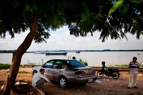 along_the_mekong_cambodia_laos-2