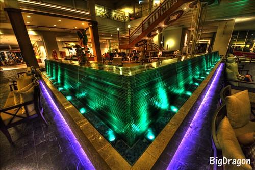 ホテルの水のオブジェ