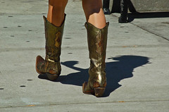 DSC_0228.jpg (Lil Wally) Tags: woman lady boot shoe shoes boots candid cowboyboot lether