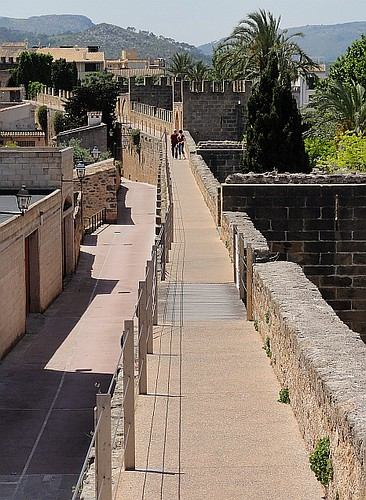 Walking on the walls of Alcudia