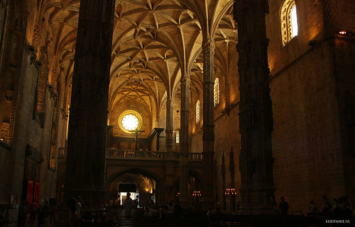 Main nave, with the Coro-Alto