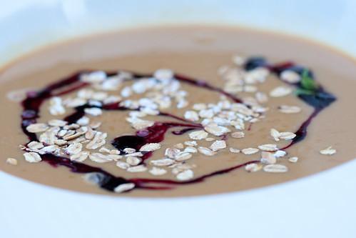 Leib- Resto & Aed: karamellikissell mustade sõstarde ning kaerahelvestega