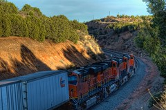 BNSF 7601 East 1 (ChasingSteel.com) Tags: railroad arizona train bnsf 7289 7516 7601 ztrain gees44dc transcon 7875 intemodal seligmansubdivision chasingsteelcom westdoublea