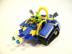 "Zarglob's Tread Buggy • <a style=""font-size:0.8em;"" href=""https://www.flickr.com/photos/38446022@N00/5992385222/"" target=""_blank"">View on Flickr</a>"