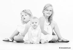 2076_Artstudio23 (Artstudio23.com) Tags: girls portrait people baby white 3 girl sisters children photography fotografie child dress sister innocent kinderen kind photostudio portret pure wit zusje meisje puur kleren mensen fotograaf fotostudio zusjes onschuldig artstudio23 hansvannunen meisejs