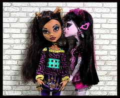 Secrets... (DollsinDystopia) Tags: photography monsterhigh mattel doll dolls articulateddolls dollscenes clawdeenwolf draculaura werewolf vampire dayatthemaul