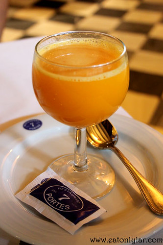 Orange juice, Restaurant 7 Portes