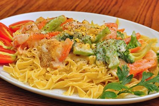 swisscheese shrimp broccoli carrots sweetcorn eggnoodles mornay
