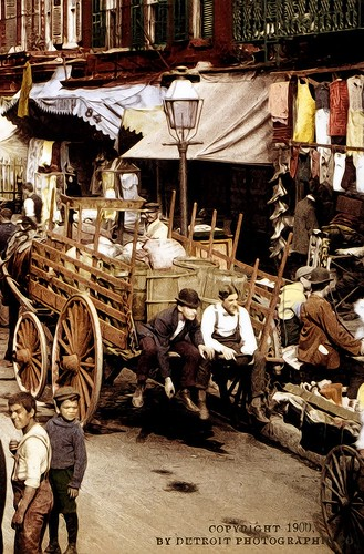 DETAIL 2 - NEW YORK - Mulberry Street 1900