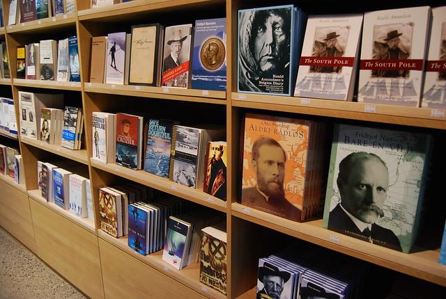 Libros sobre exploración polar en el Museo Fram de Oslo