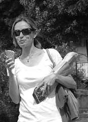 Ice-cream (claudio malatesta) Tags: blackandwhite bw noiretblanc pentax icecream elsa musicorso glace k5 vezelay claudiomalatesta diamondclassphotographer flickrdiamond claudebenasouli