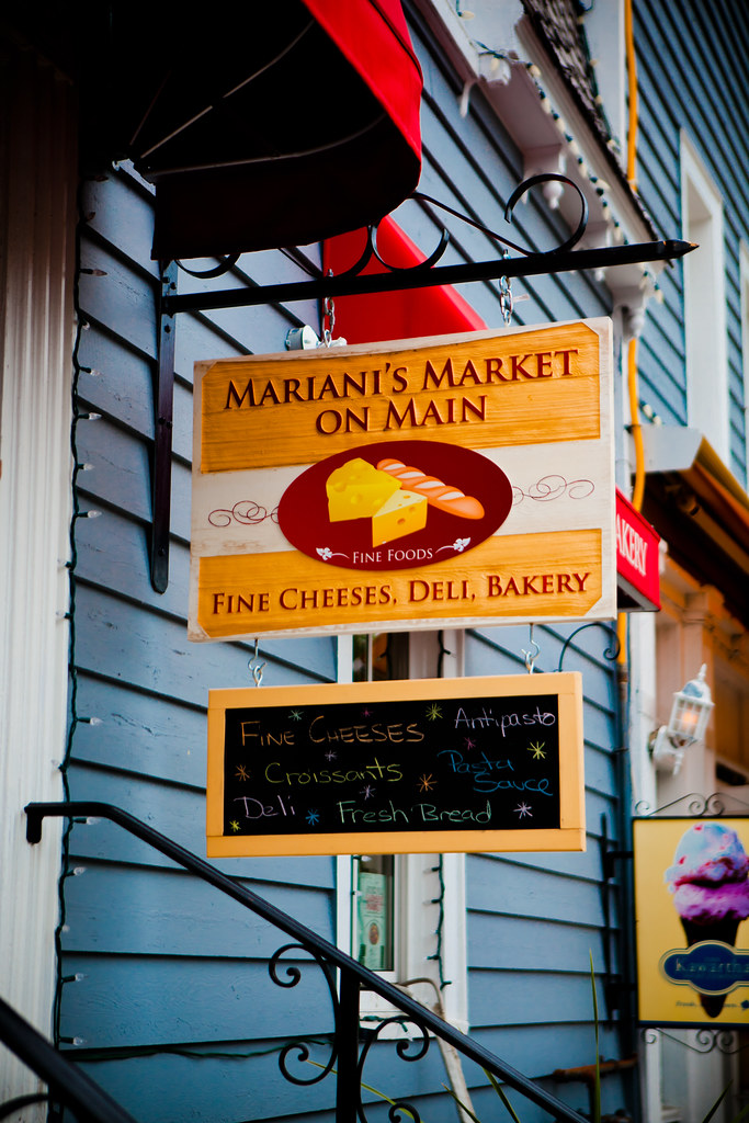 Main St. Cheeses [EOS 5DMK2 | EF 24-70L@68mm | 1/2500 s | f/2.8 |  ISO200]