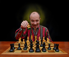 """Jugamos al ajedrez?"" (Marcelo Savoini) Tags: nikon play sb600 chess ajedrez jugamos sb900 1685mm d7000 sb700"